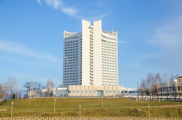 Das urban civil engineering company hat den bau von mehrstöckigen gebäuden abgeschlossen.
