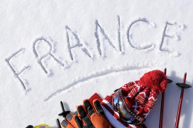 Das wort frankreich im schnee geschrieben