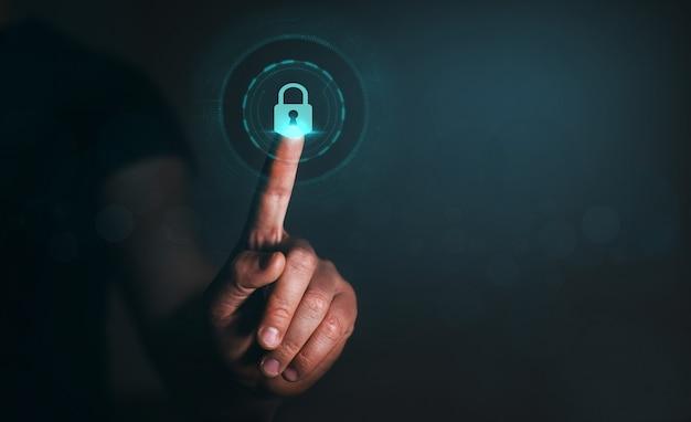 Datenschutz datenschutz geschäftsmann, der personenbezogene daten schützt