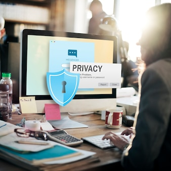 Datenschutz vertraulicher schutz sicherheit einsamkeitskonzept