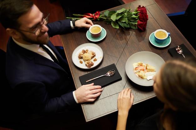 Dating im restaurant
