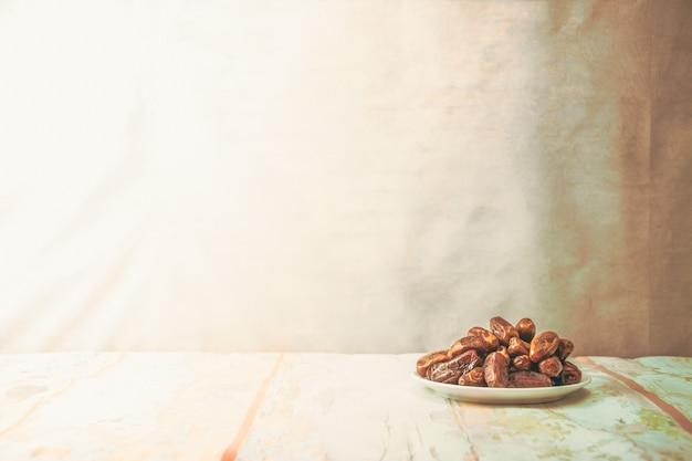 Dattelpalme frucht oder kurma, ramadan essen