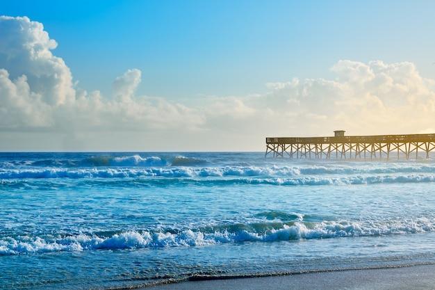 Daytona beach in florida mit pier usa