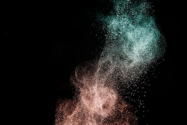 Deep ocean und living coral color des jahres 2019, pulverspritzer