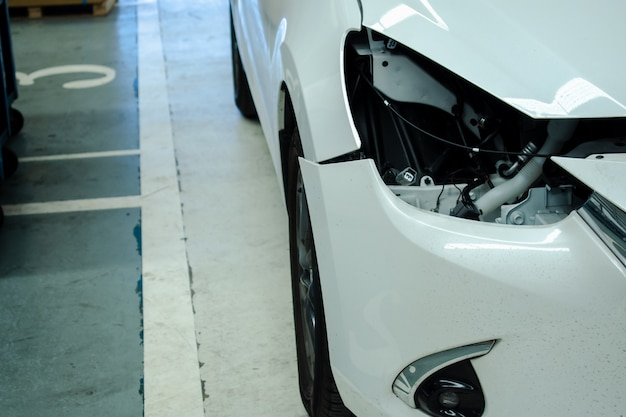 Defekte autolichter im zentrum autoservice für kunden