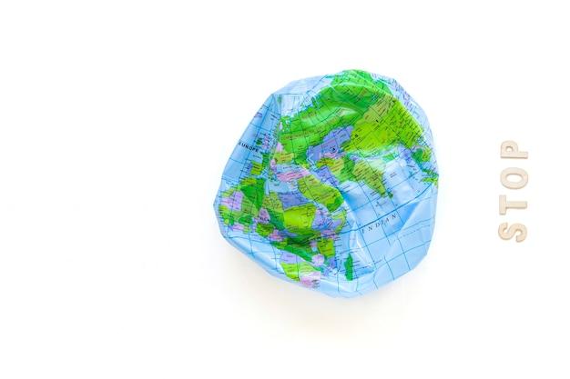 Deflated earth ball und stoppwort