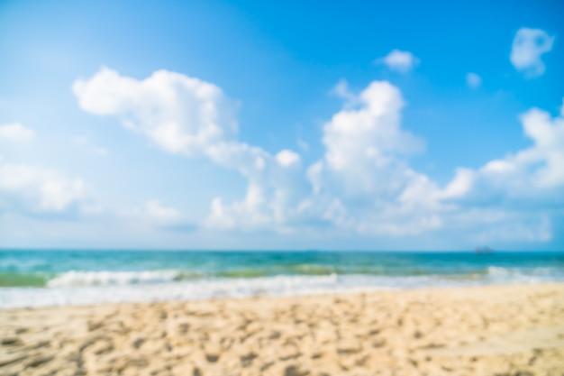 Defocused schöner strand und meer der abstrakten unschärfe