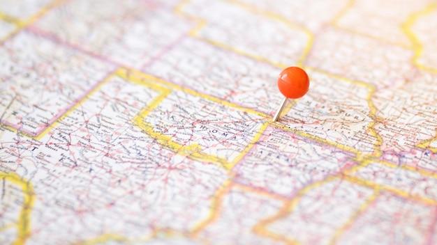 Defokussierte komplexe karte mit pinpoint