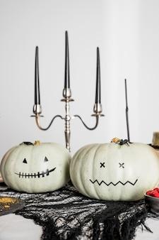Dekorationen für halloween