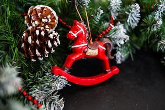 Dekorationen für das neue Jahr und Weihnachten für das Haus