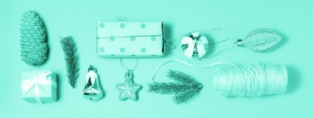 Dekorationsgrün-fahnenhintergrund der frohen weihnachten und des guten rutsch ins neue jahr
