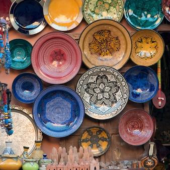 Dekorative gemalte keramische waren für verkauf, medina, marrakesch, marokko