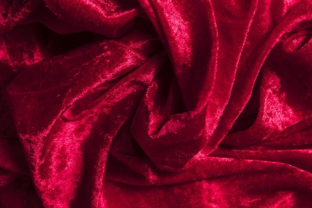 Dekorative innenstoffe aus rotem stoff