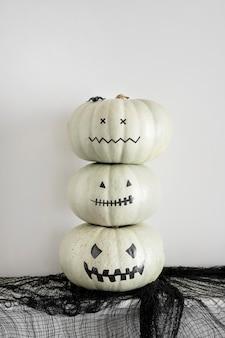 Dekorative kürbisse für halloween-party