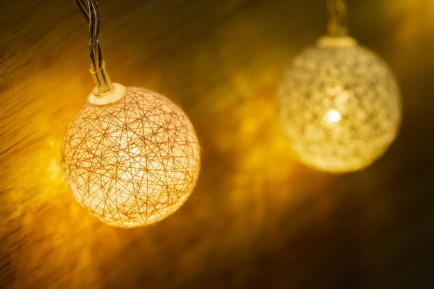 Dekorative led-leuchten für party, weihnachten, frohes neues jahr, festlich, ereignis, alles gute zum geburtstag, feier, glückwunschentwurf.