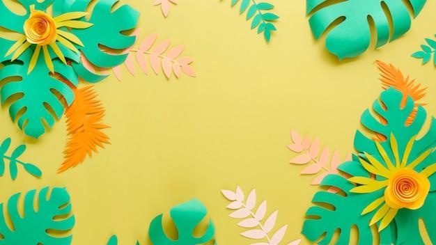 Dekorative papierblätter und blüten