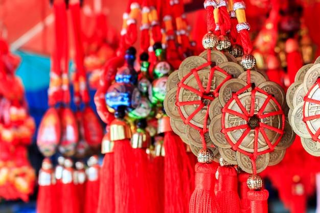 Dekorative verzierung des chinesischen neujahrsfests, goldmünzen