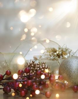 Dekorative weihnachten hintergrund mit geschenk und dekorationen und bokeh lichter