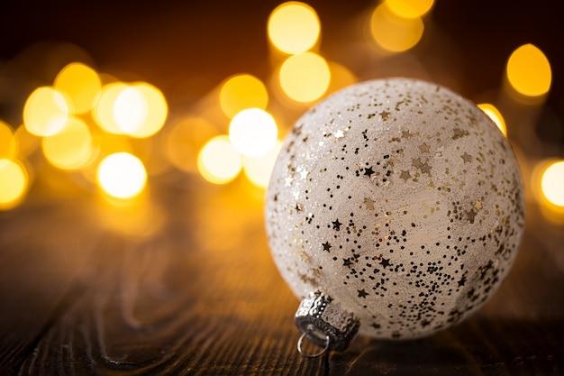 Dekorativer glänzender flitter in den lichtern