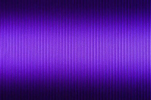 Dekorativer hintergrund lila, violette farbe, obere und untere steigung der gestreiften beschaffenheit.