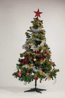 Dekoriert weihnachtsbaum