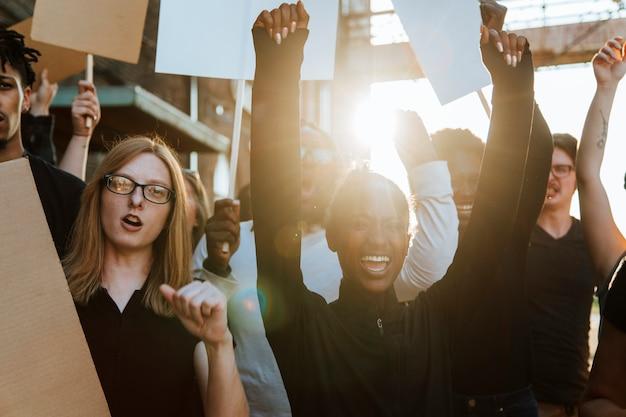 Demonstranten kämpfen für ihre rechte