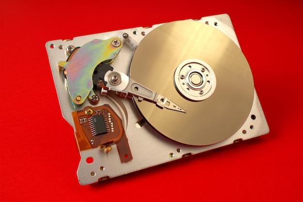 Demontierte festplatte vom computer schließen mit kopierplatz