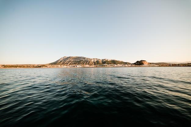 Denia-sonnenuntergangansicht vom hafen