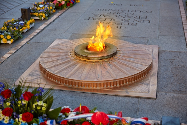 Denkmal des unbekannten soldaten arc triomphe paris