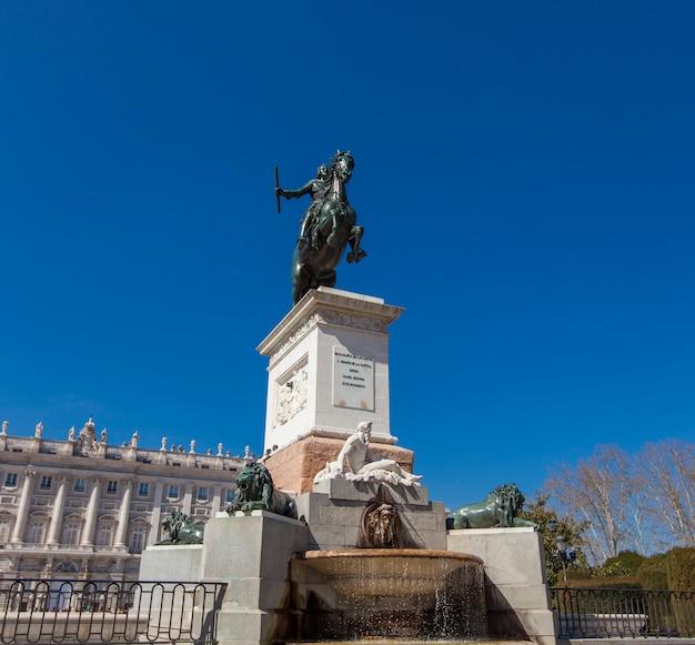 Denkmal von felipe iv in msdrid