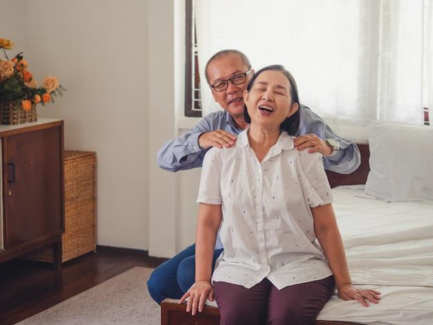 Zimmer Frauen Massage Ältere Massage Fur