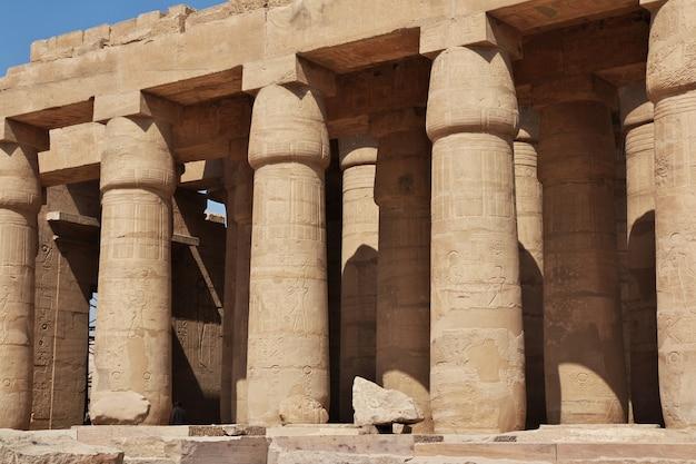 Der alte tempel von ramesseum in luxor, ägypten