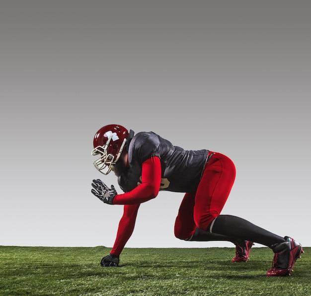 Der american football spieler in aktion