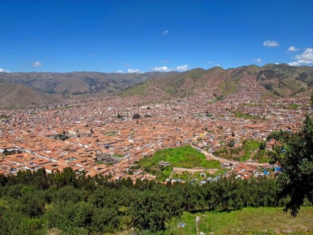 Der blick auf das zentrum von cusco, peru
