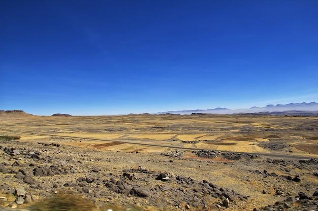 Der blick auf die berge des jemen