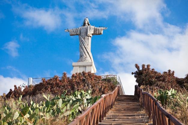 Der christus die königstatue auf madeira-insel, portugal