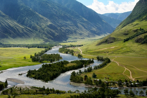 Der chulyshman river im altai