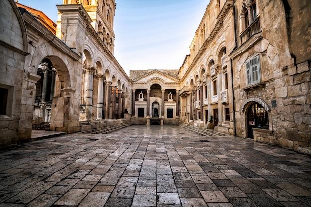 Der diokletianpalast in split, kroatien.