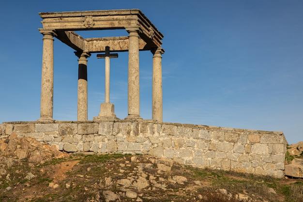 Der humilladero de los cuatro postes ist ein religiöses denkmal in der stadt avila. spanien.