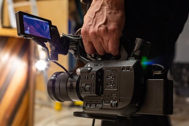 Der kameramann schießt auf die kamera