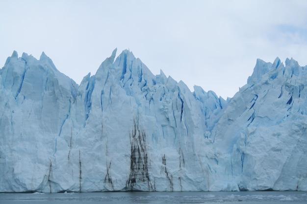 Der perito-moreno-gletscher ist ein gletscher im nationalpark los glaciares in der provinz santa cruz in argentinien province