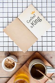 Der phraseninhalt ist auf einem notebook könig