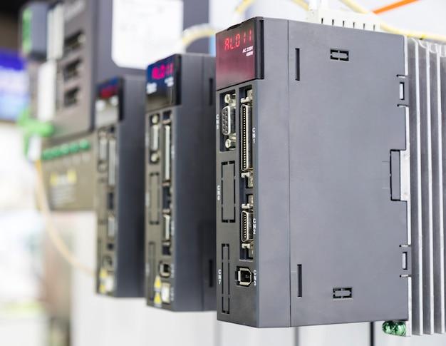 Der plc controller für industriemaschinen