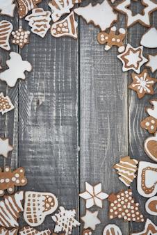 Der rahmen aus weihnachtslebkuchen