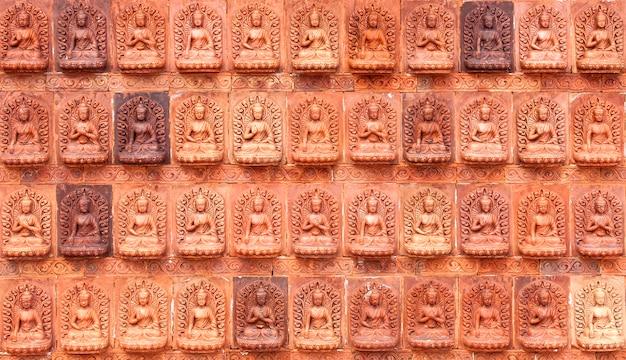 Der rote hintergrund des buddha