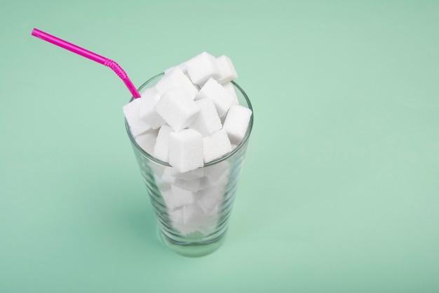 Der schaden von zucker in milchshakes.
