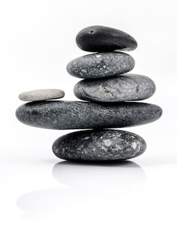 Der stapel des stones badekurortszenen zen mag konzepte.
