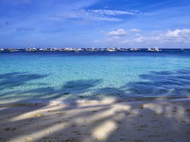 Der strand auf der insel boracay, philippinen