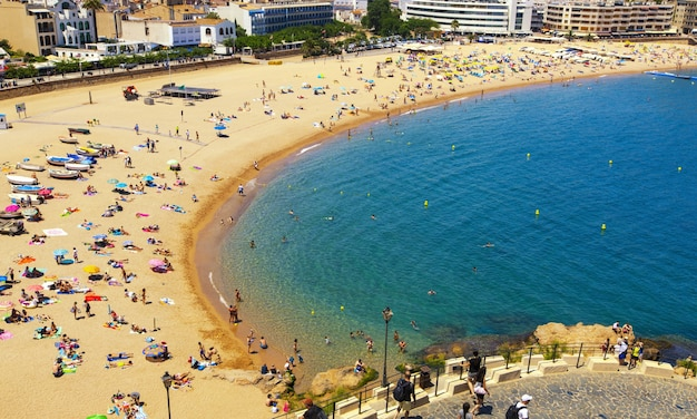 Der strand in tossa de mar, costa brava, spanien