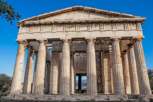 Der tempel des hephaistos oder hephaisteion oder früher als theseion ein gut erhaltener griechischer tempel